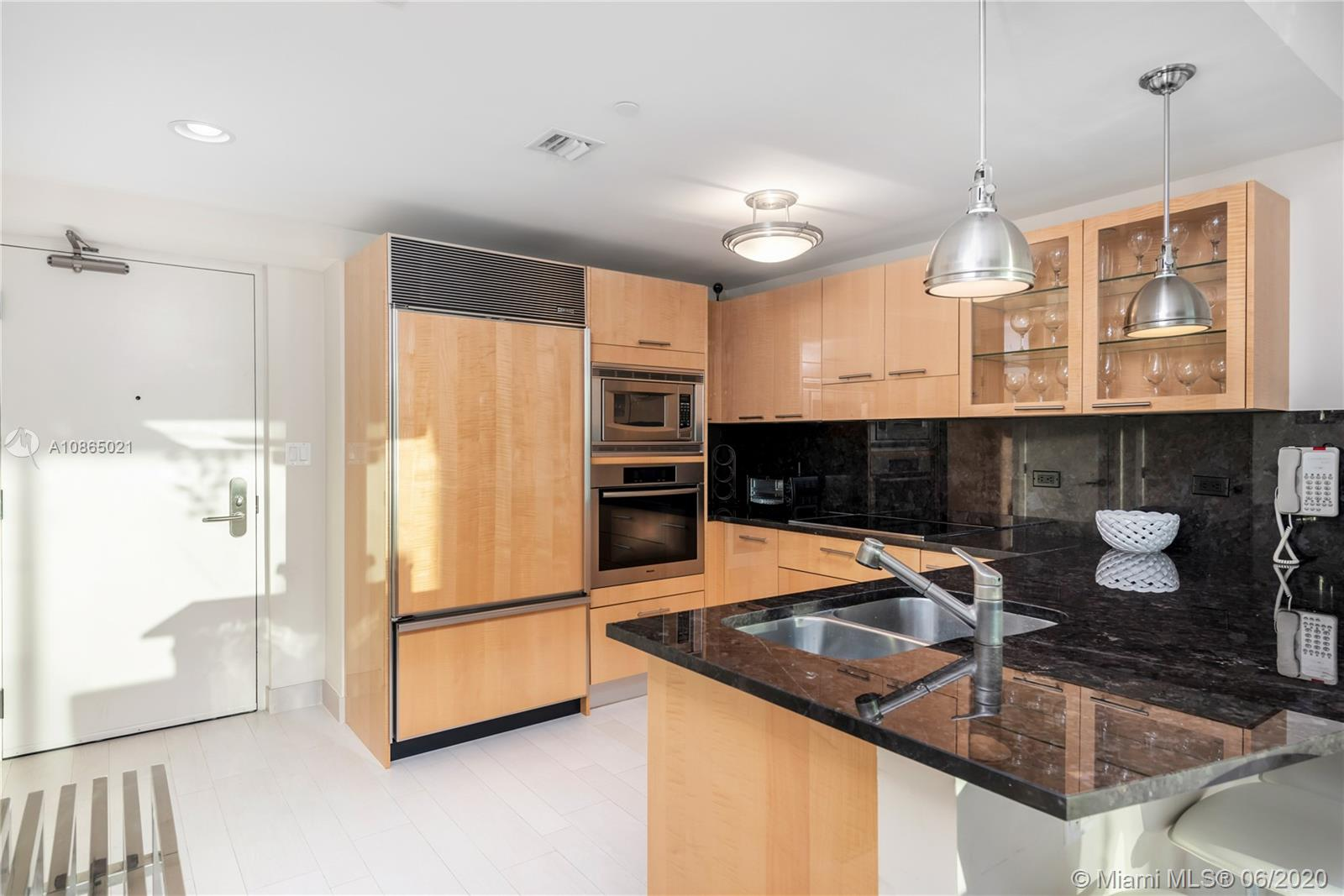 6799 Collins Ave #1006 photo03