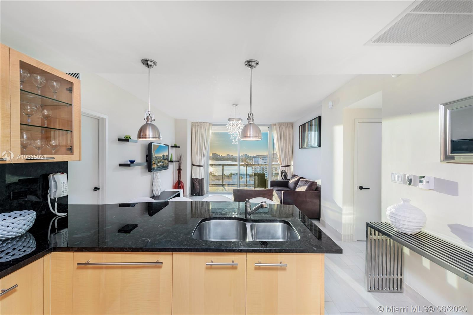 6799 Collins Ave #1006 photo05