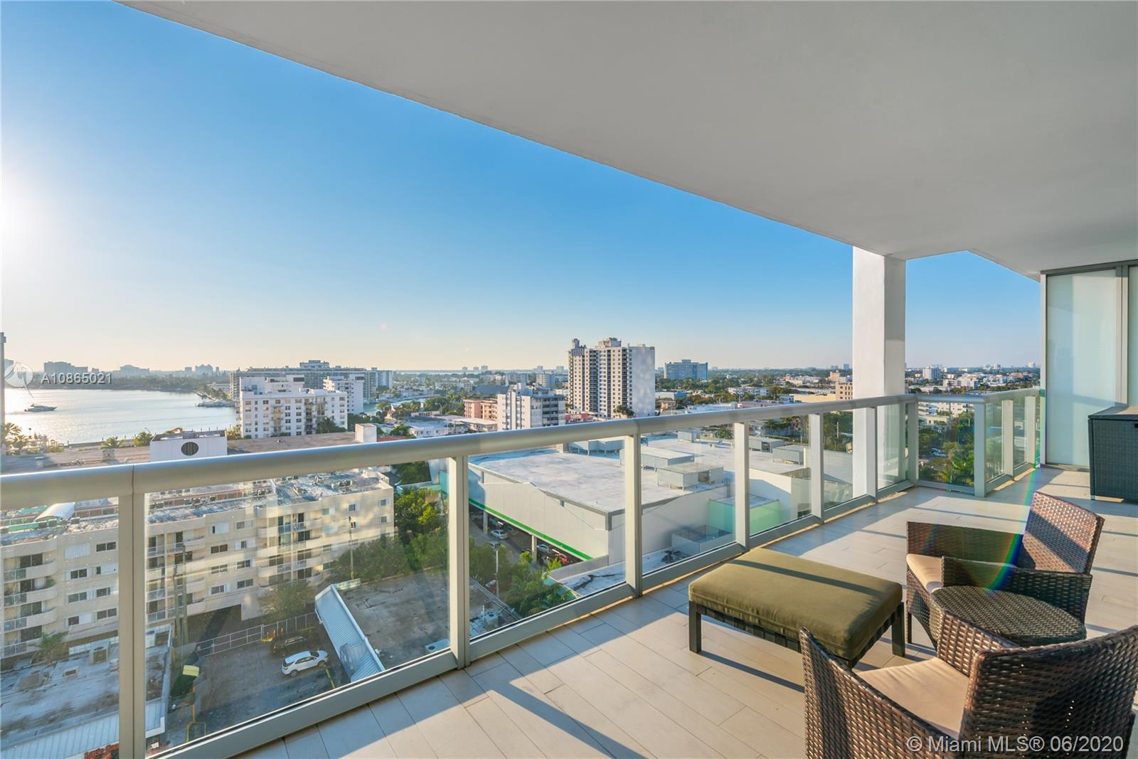 6799 Collins Ave #1006 photo020