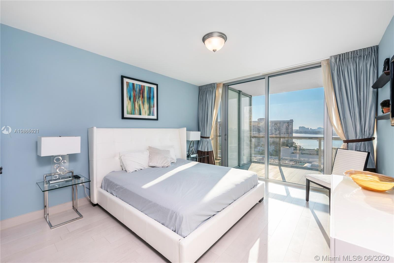 6799 Collins Ave #1006 photo09