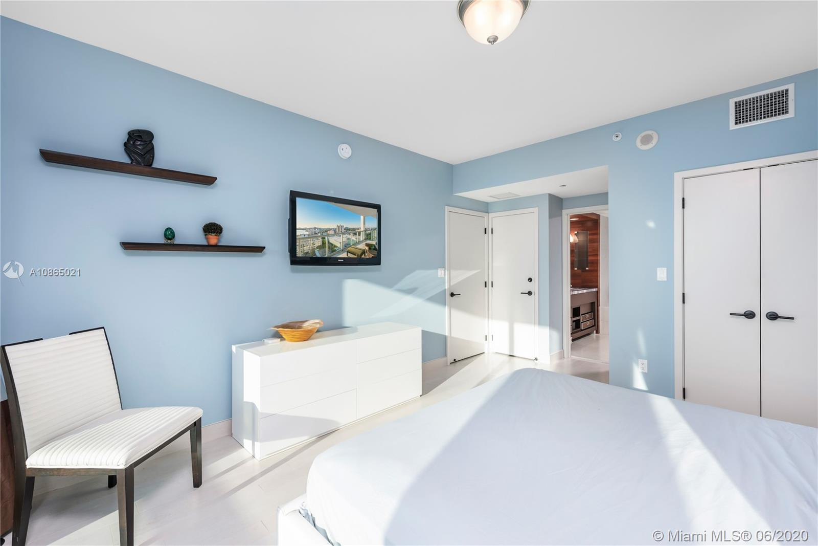 6799 Collins Ave #1006 photo010