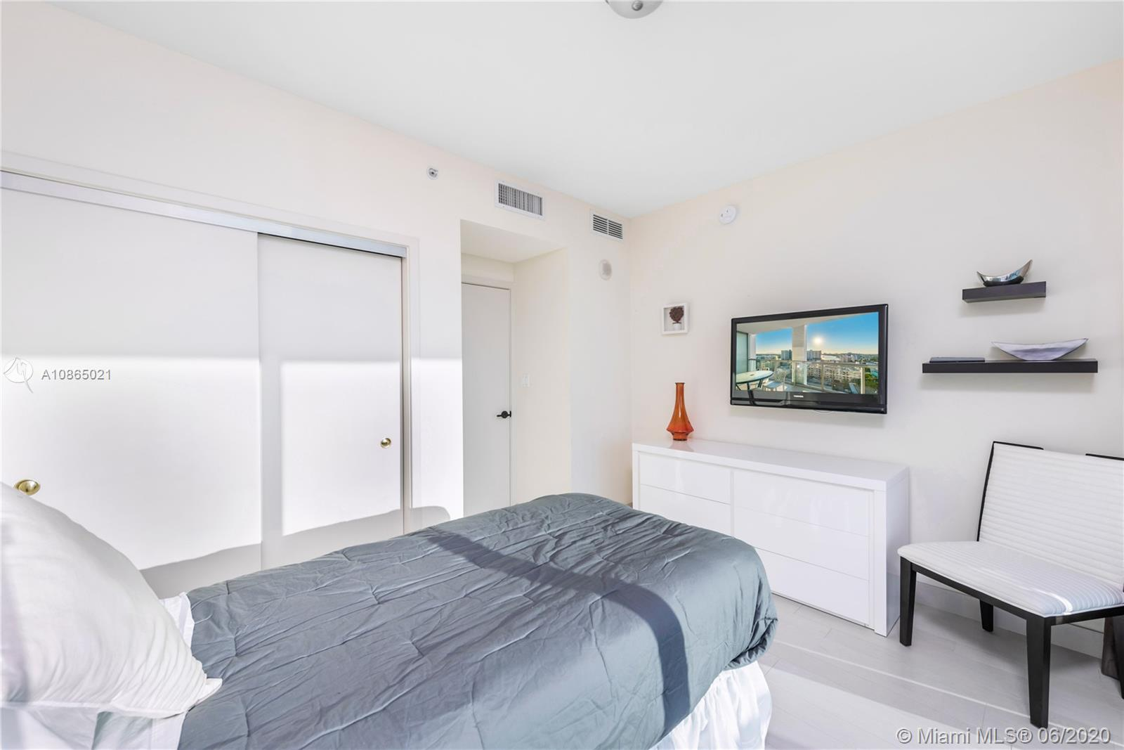 6799 Collins Ave #1006 photo015