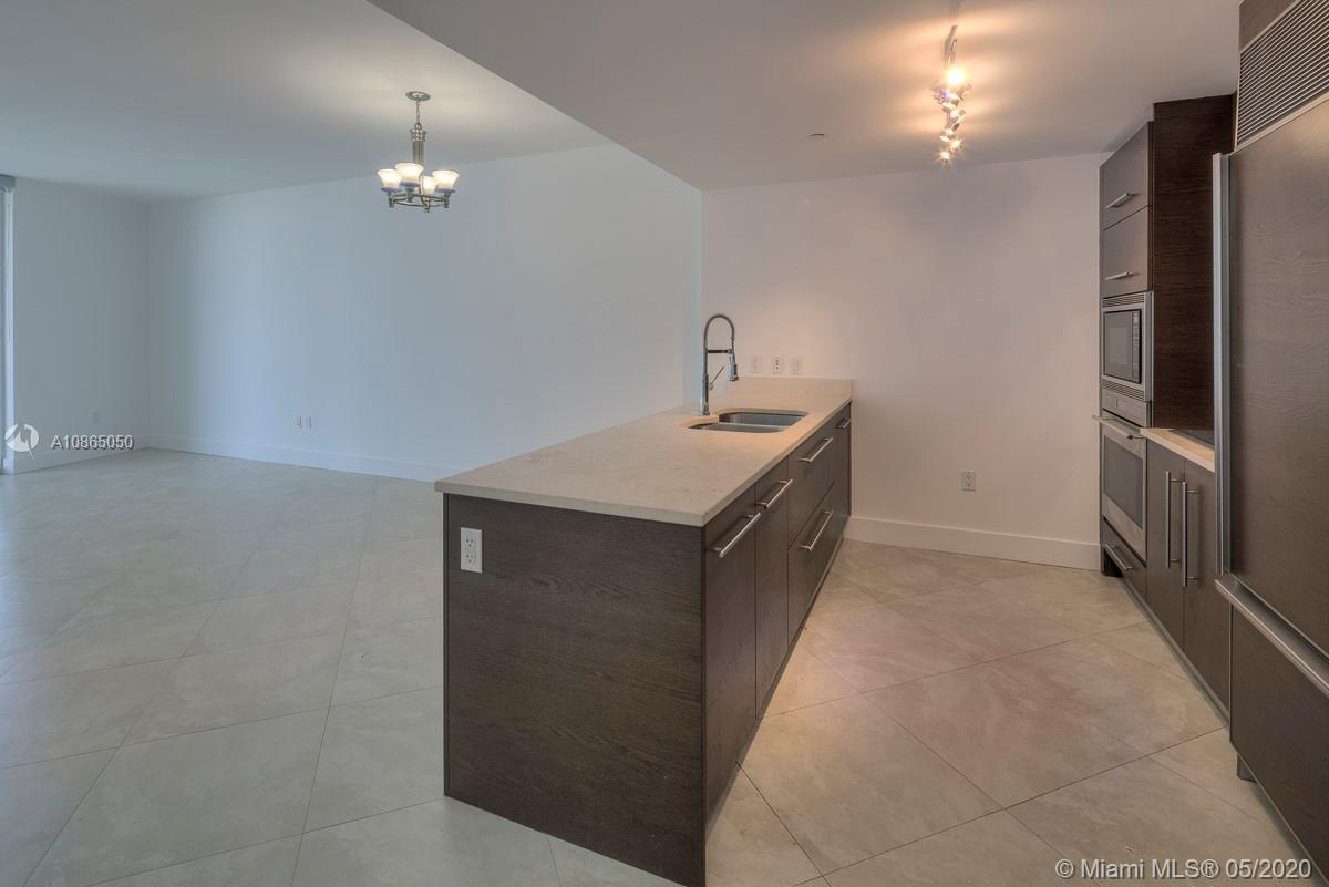 475 Brickell Ave #3811 photo01