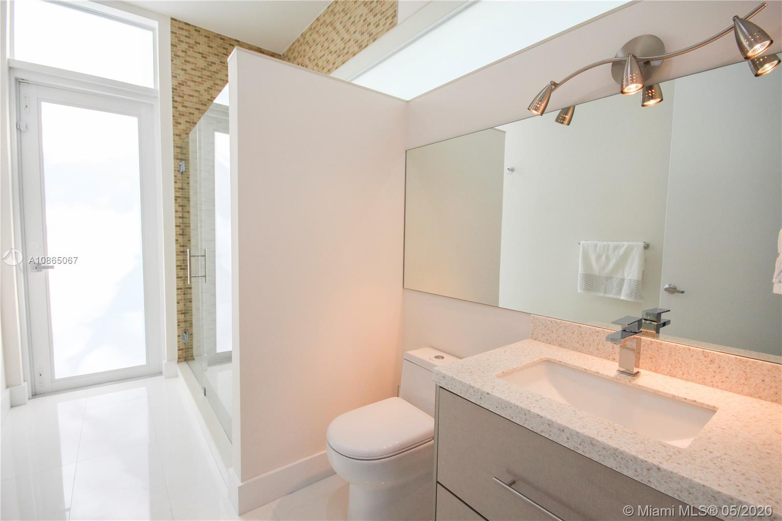Guest room bath/cabana bath.