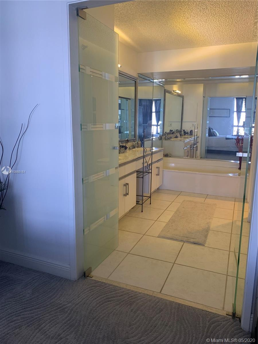 Photo of 19195 NE 36th Ct #2302 listing for Sale