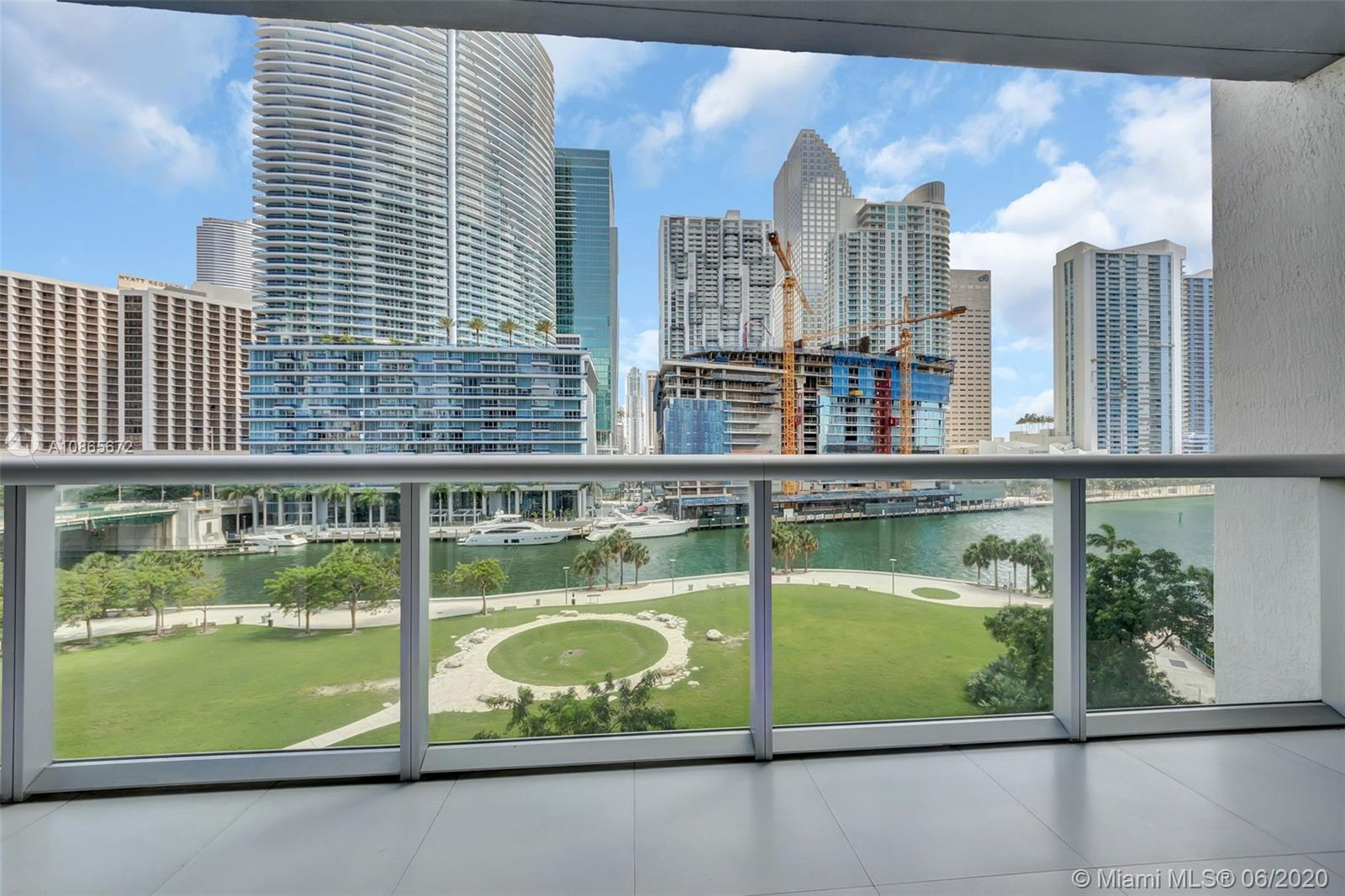 475 Brickell Ave #614 photo01