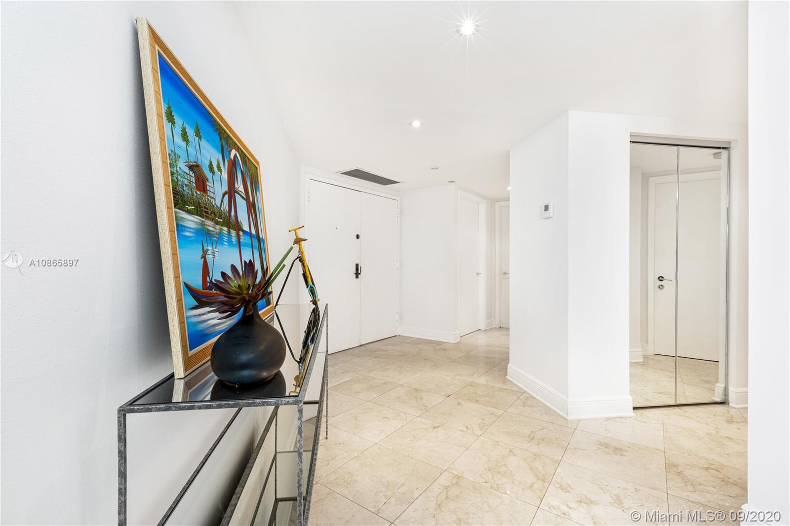 8855 Collins Ave #6G photo02