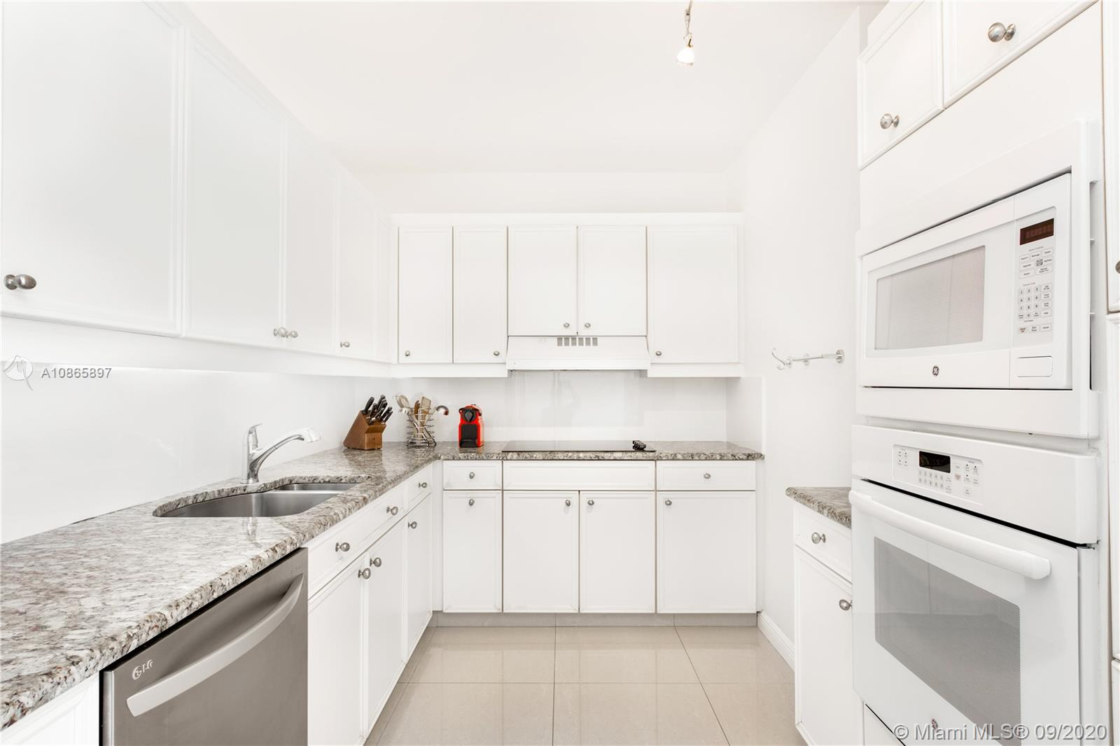 8855 Collins Ave #6G photo09