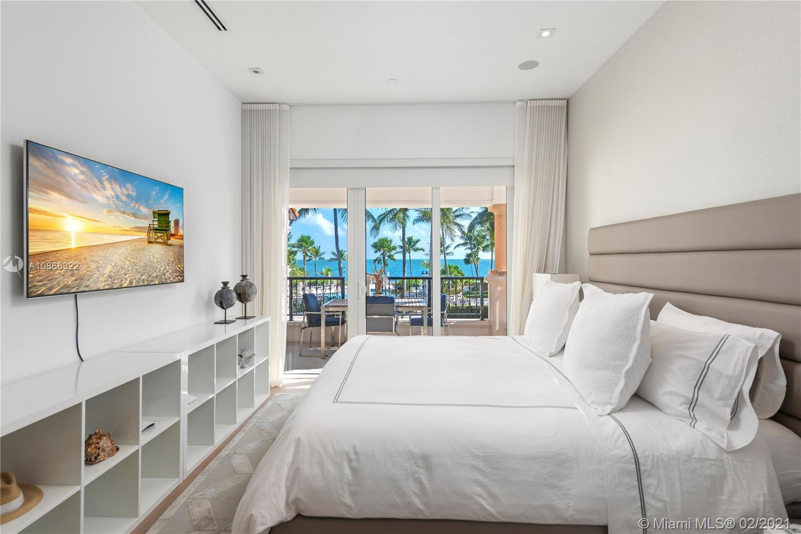 Photo of 15721 Fisher Island Dr #15721 listing for Sale