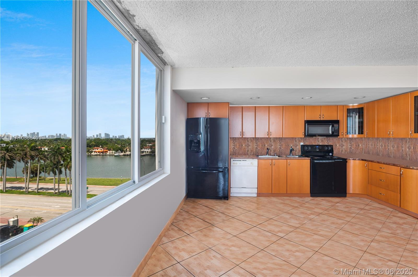 5401 Collins Ave #534 photo01