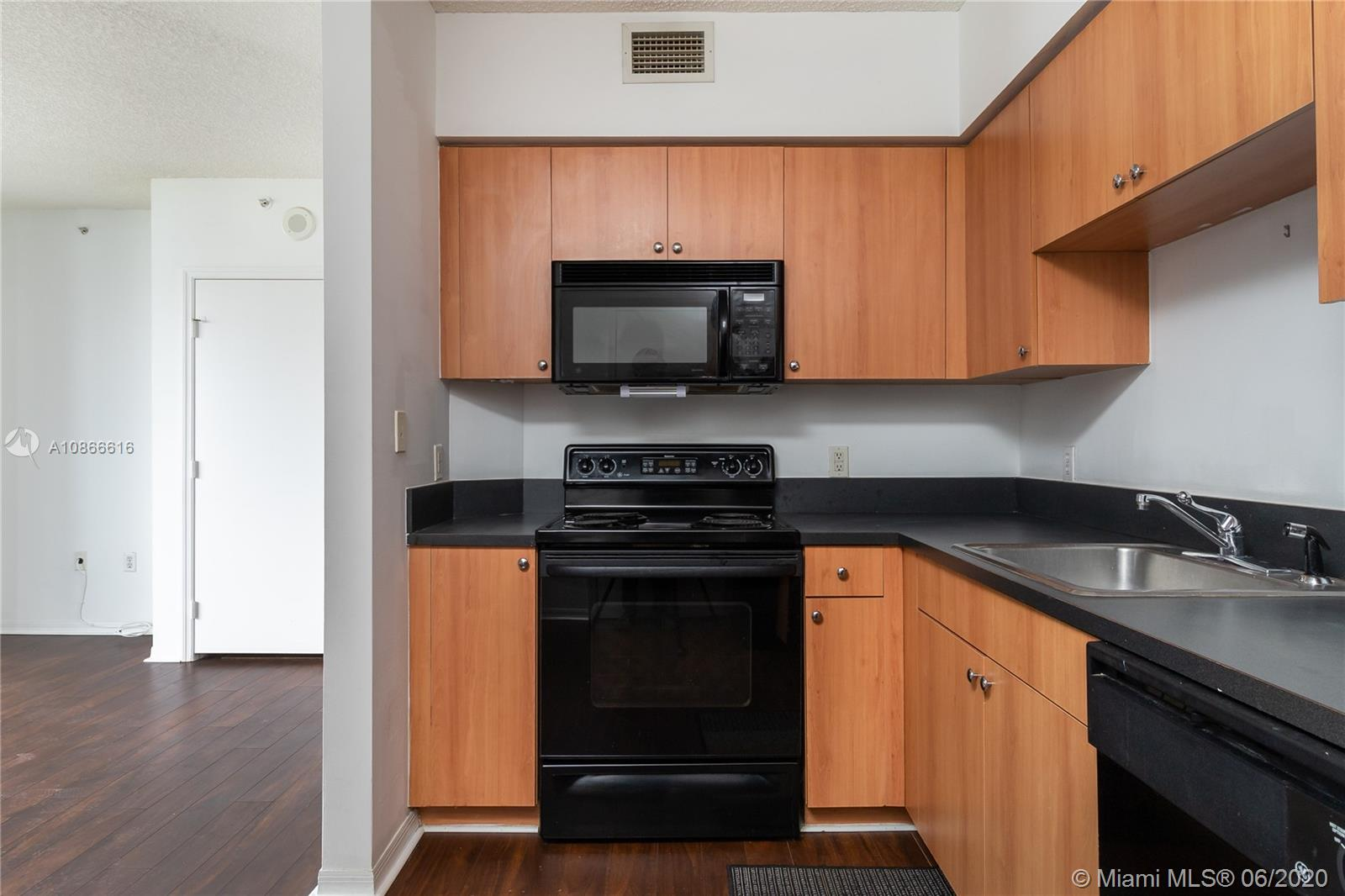 Photo of 1330 West Ave #803 listing for Sale