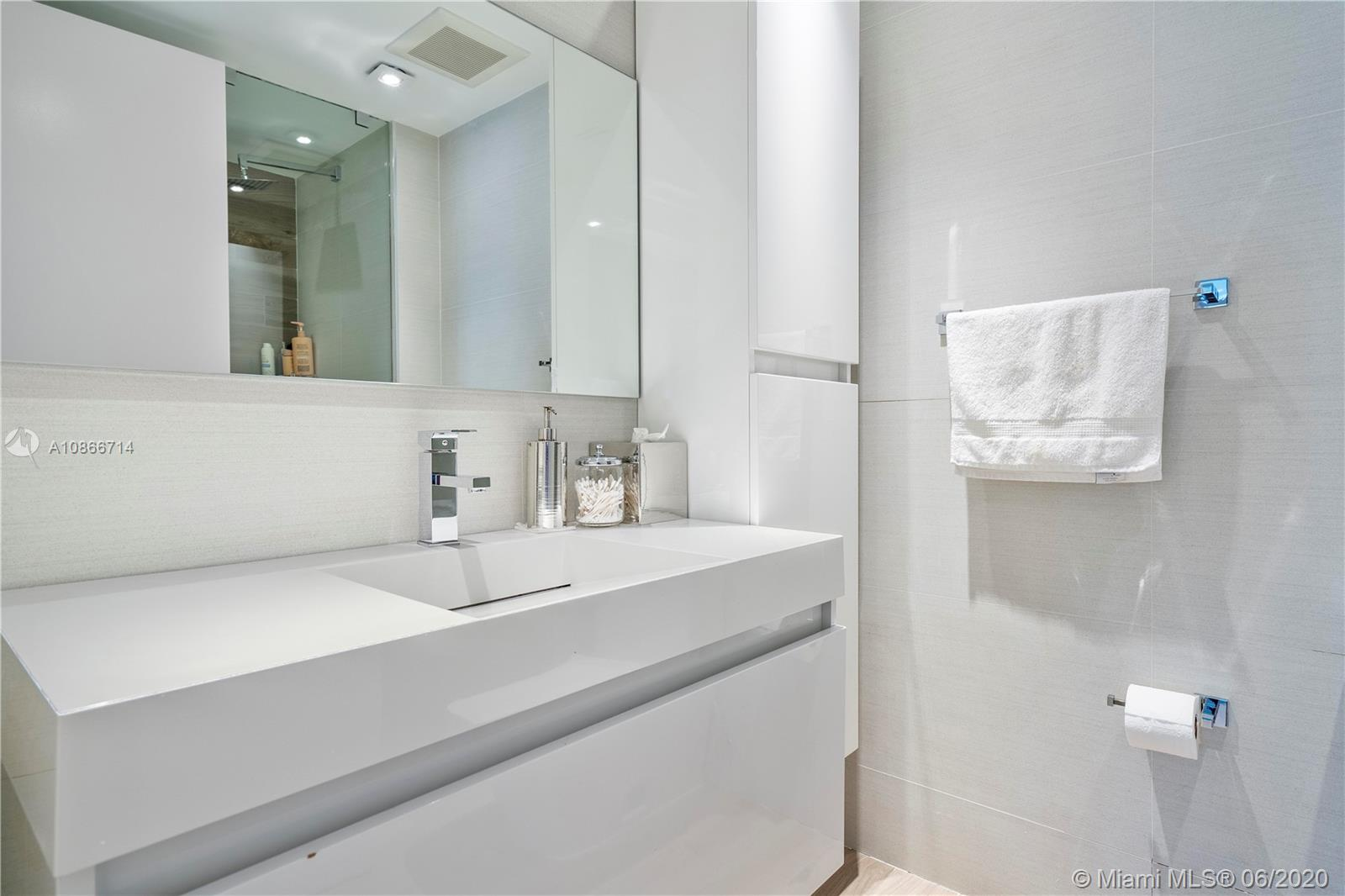 Photo of 3201 NE 183rd St #2507 listing for Sale