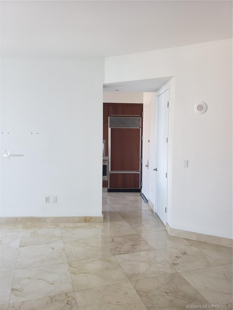 16001 Collins Ave #805 photo05