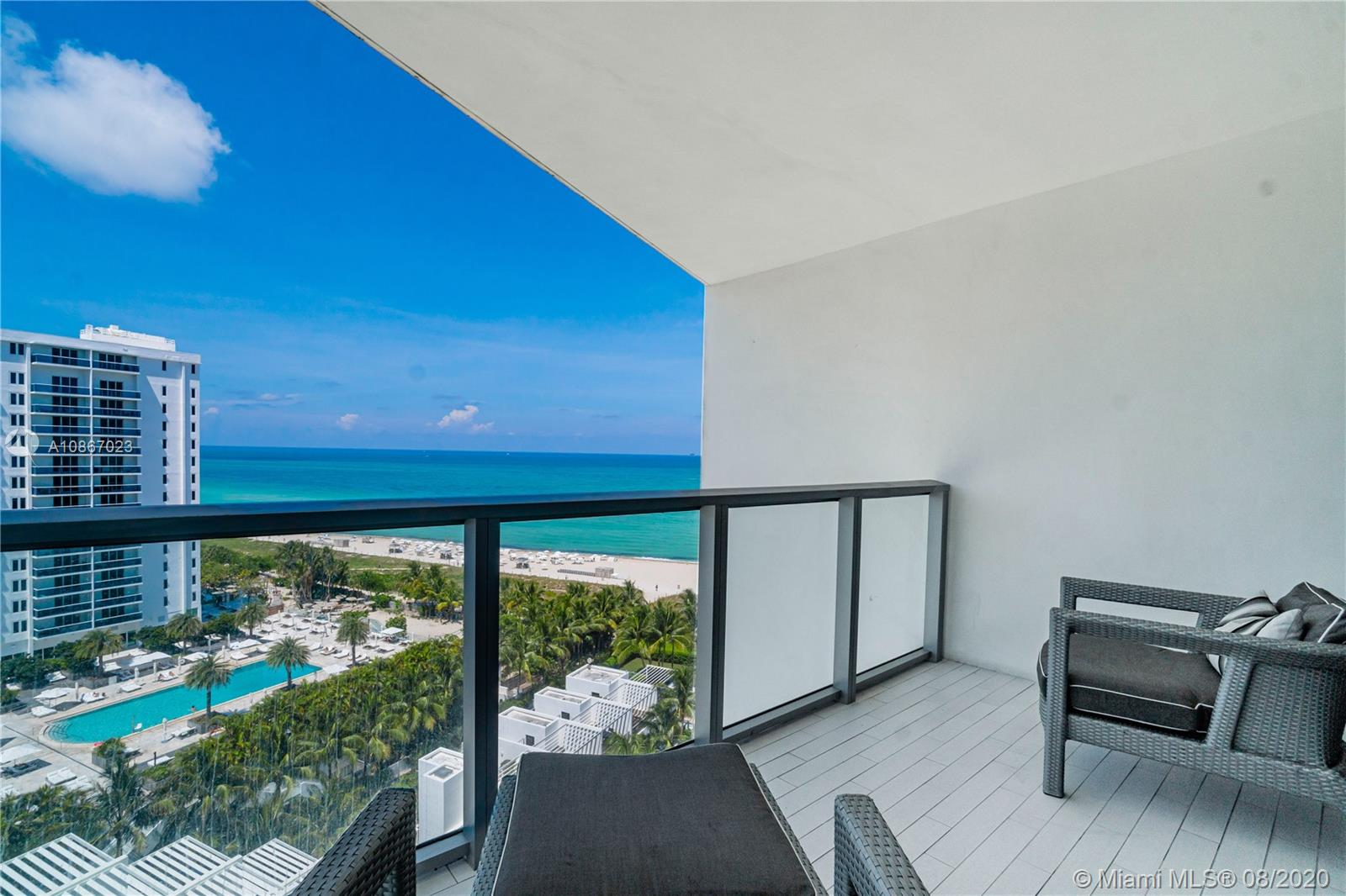 2201 Collins Ave #1211 photo01
