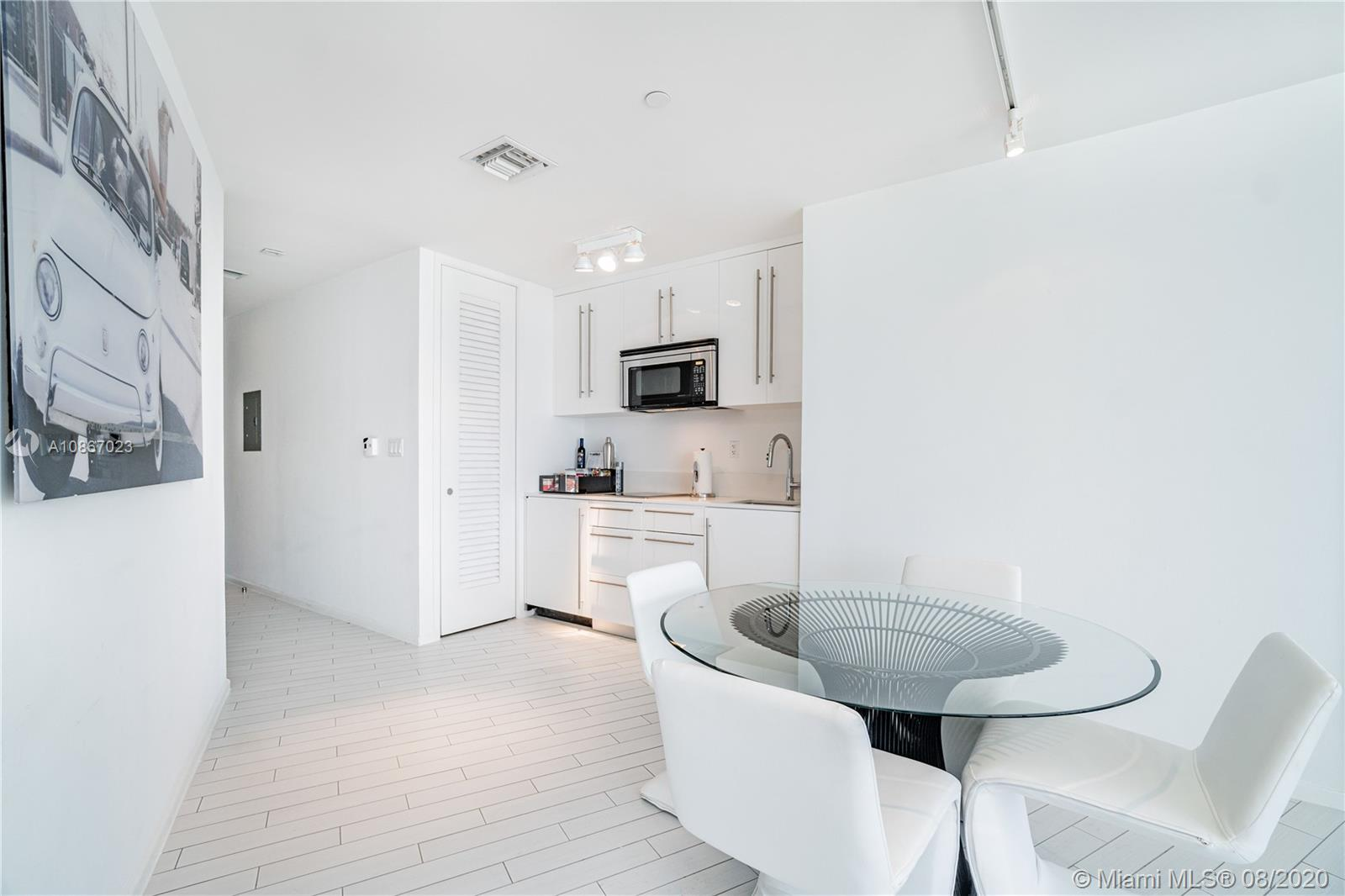 2201 Collins Ave #1211 photo09