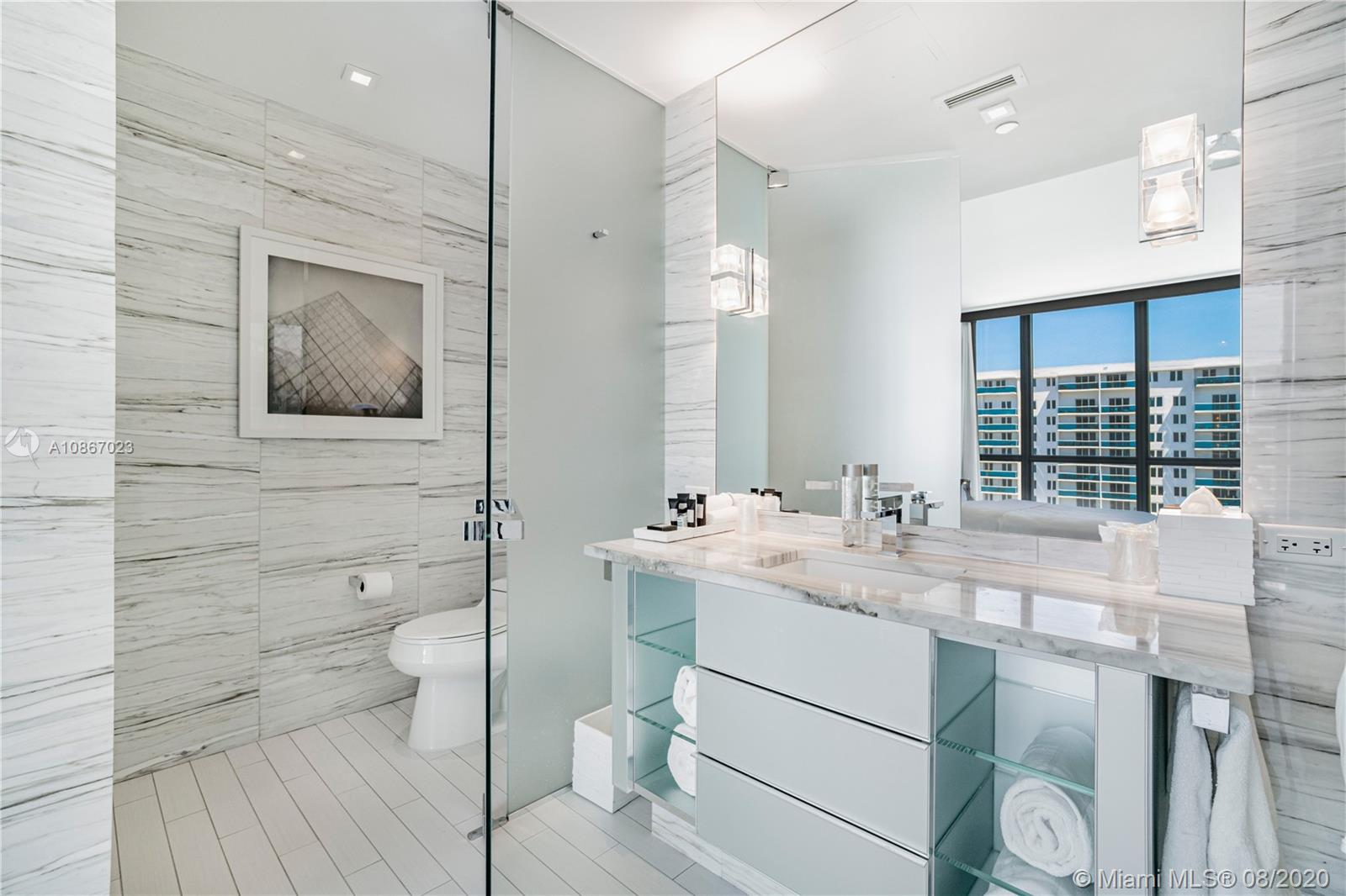 2201 Collins Ave #1211 photo024