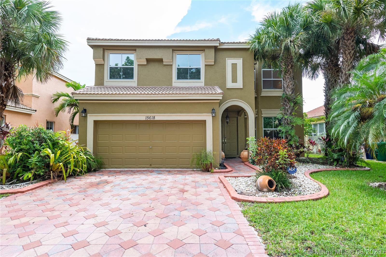 Property for sale at 15618 SW 53rd St, Miramar,  Florida 33027