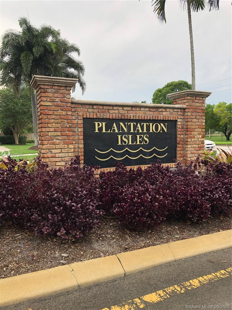 Property for sale at 5840 SW 13th St, Plantation,  Florida 33317