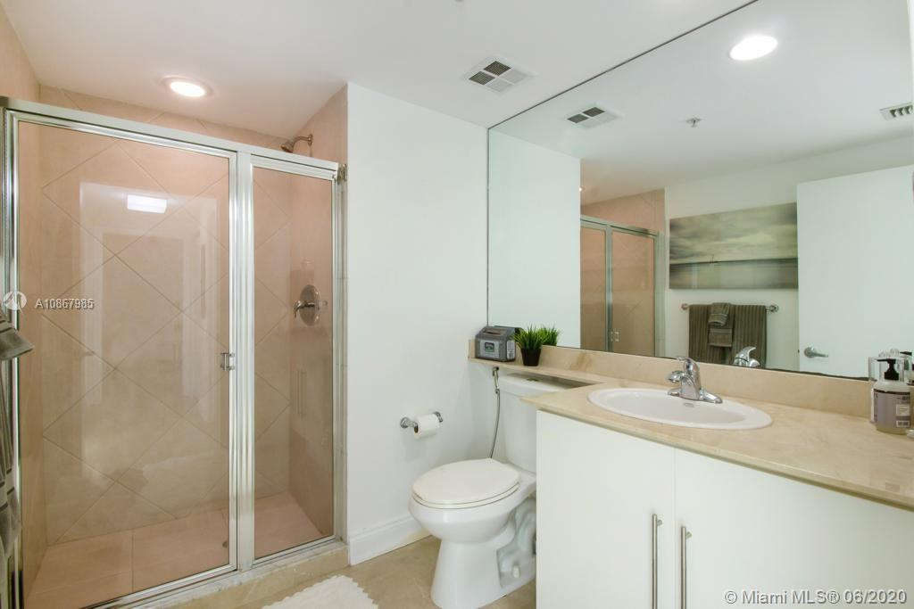 Photo of 325 S Biscayne Blvd #2214 listing for Sale