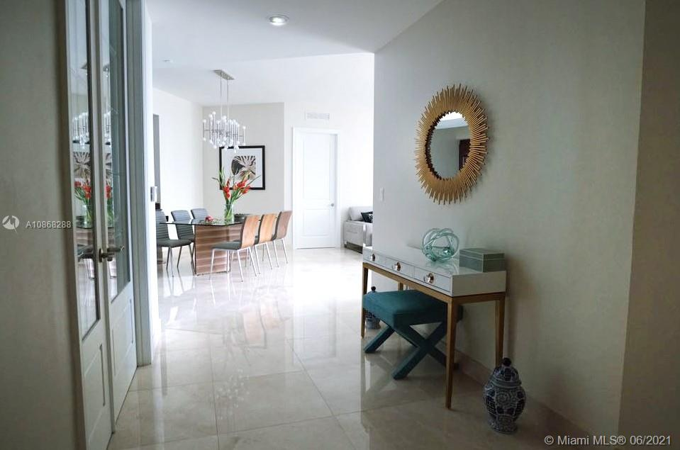 16001 Collins Ave #907 photo04