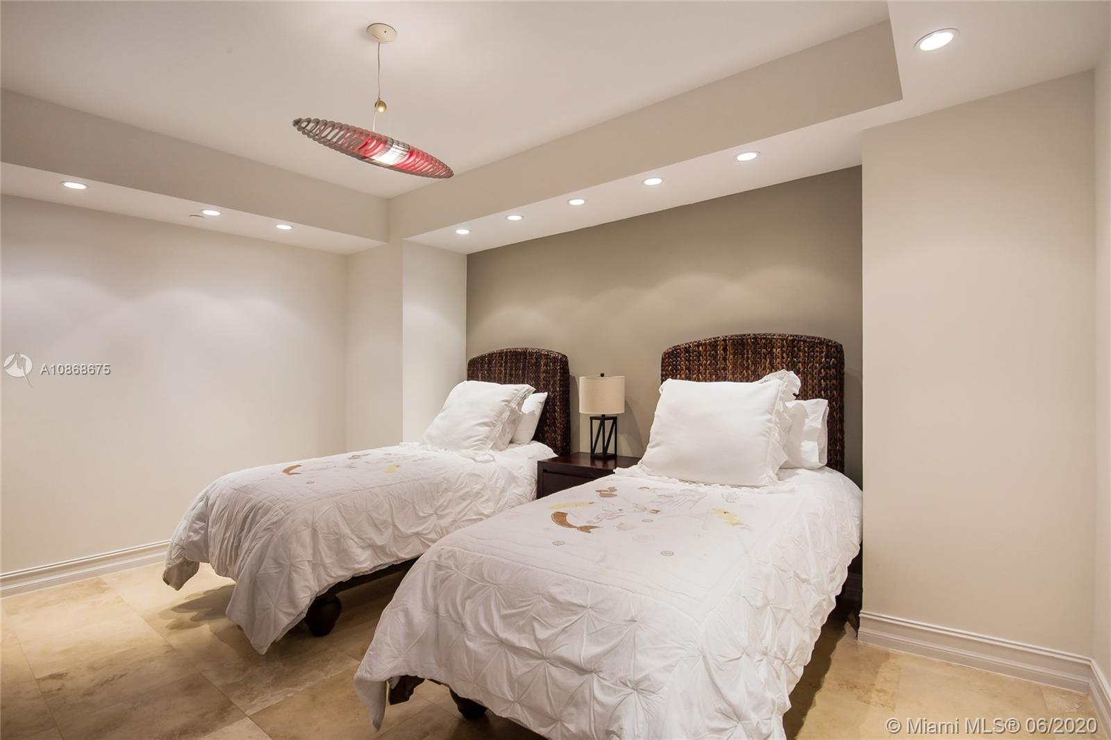 Photo of 3201 NE 183rd St #2402 listing for Sale