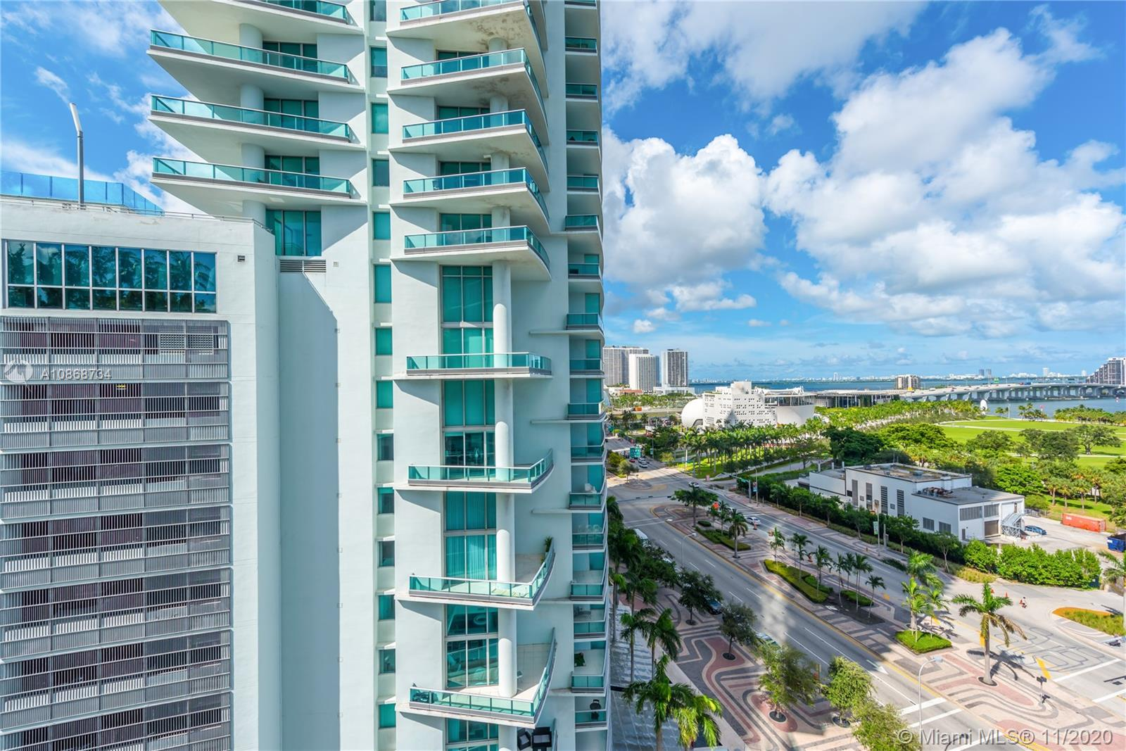 888 Biscayne Blvd #1112 photo01