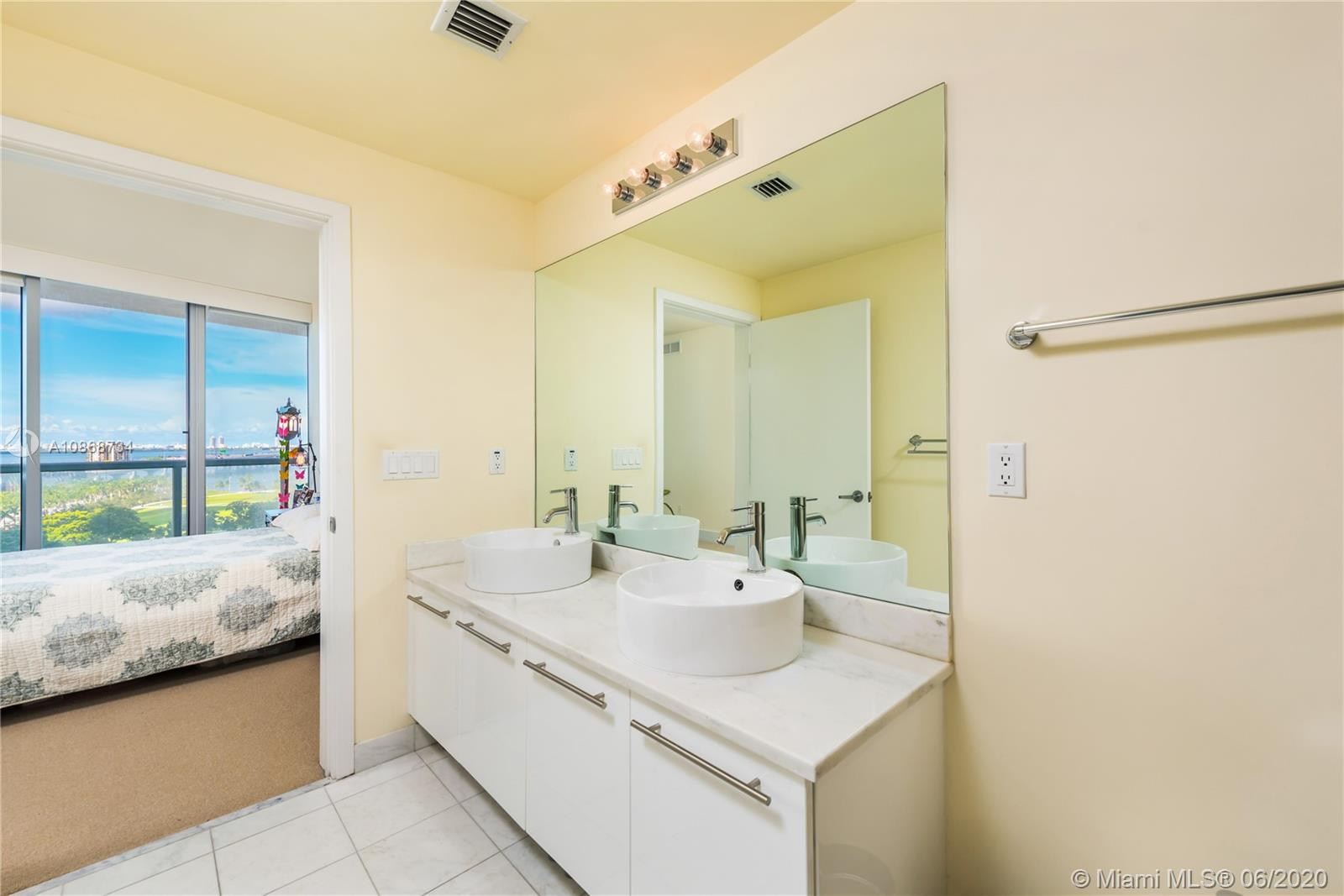 888 Biscayne Blvd #1112 photo010