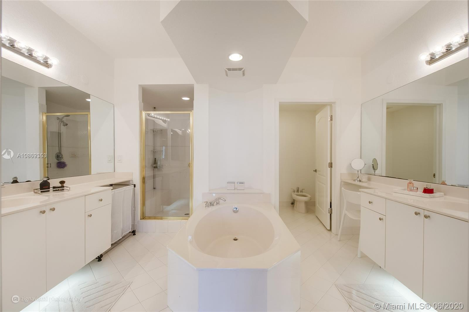 10720 NW 66 St #403 photo04