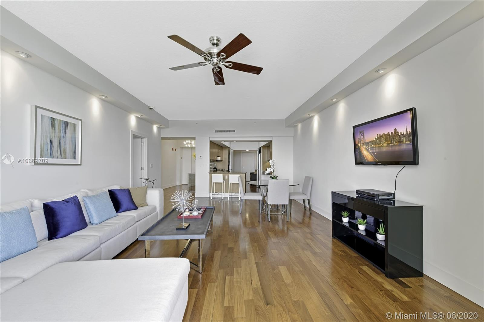 Photo of 1455 Ocean Dr #1611 listing for Sale