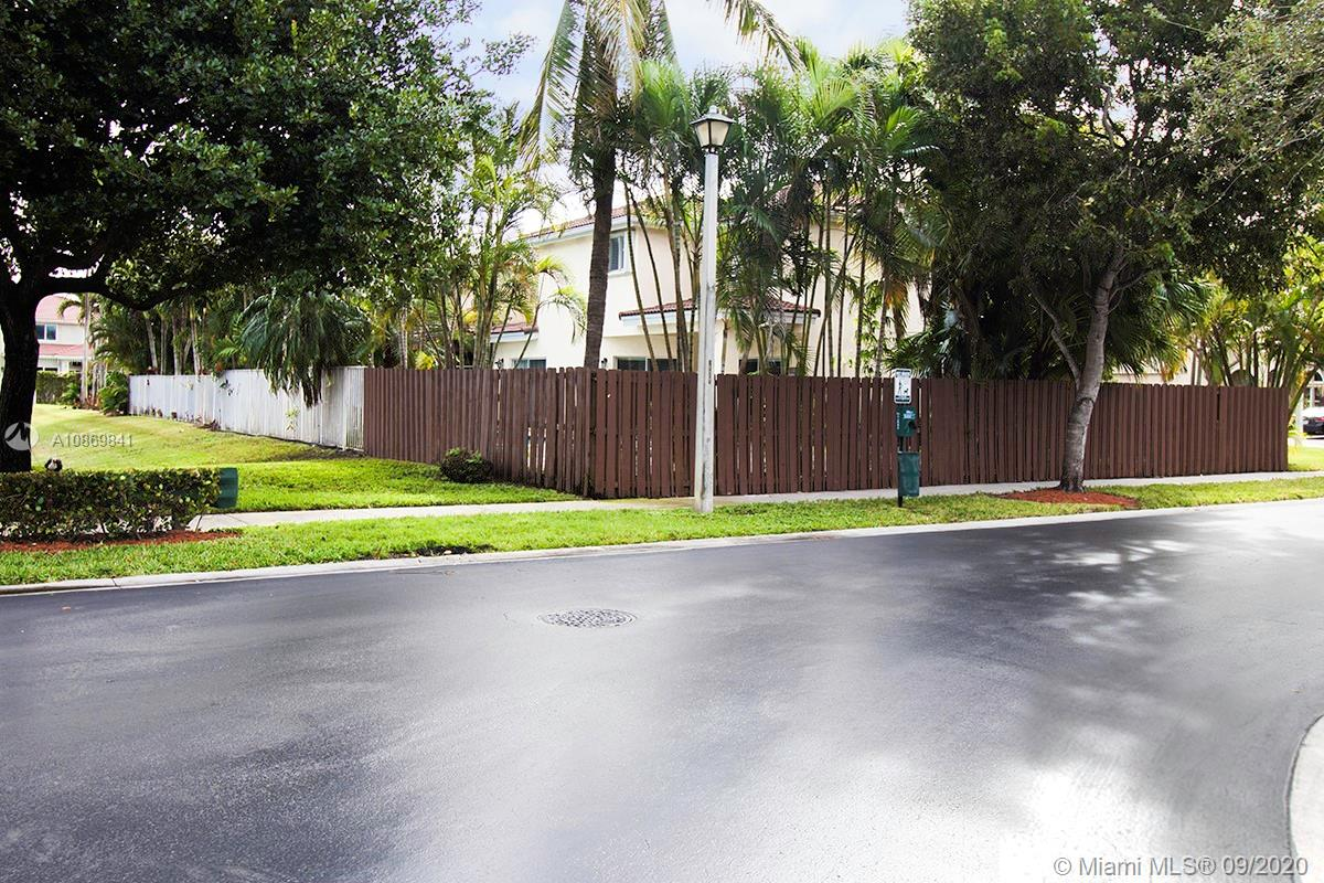 10981 NW 44th Ter photo018