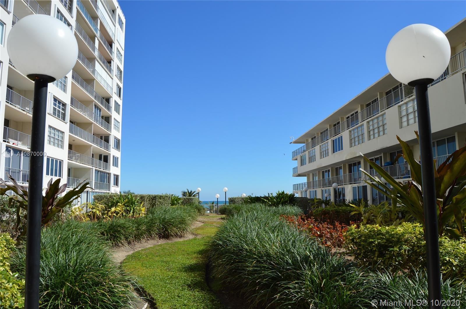 5401 Collins Ave #511 photo035