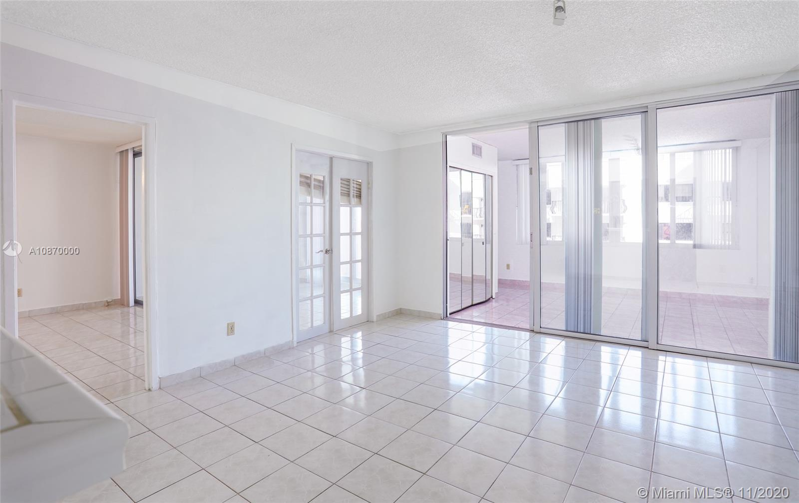 5401 Collins Ave #511 photo08