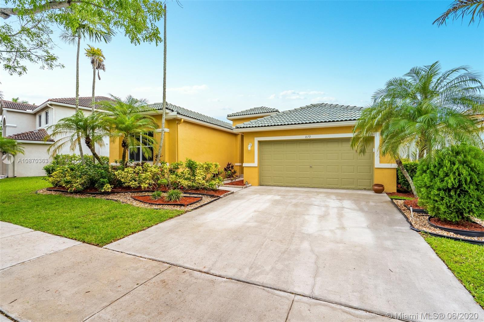 Property for sale at 879 Hawthorn Ter, Weston,  Florida 33327