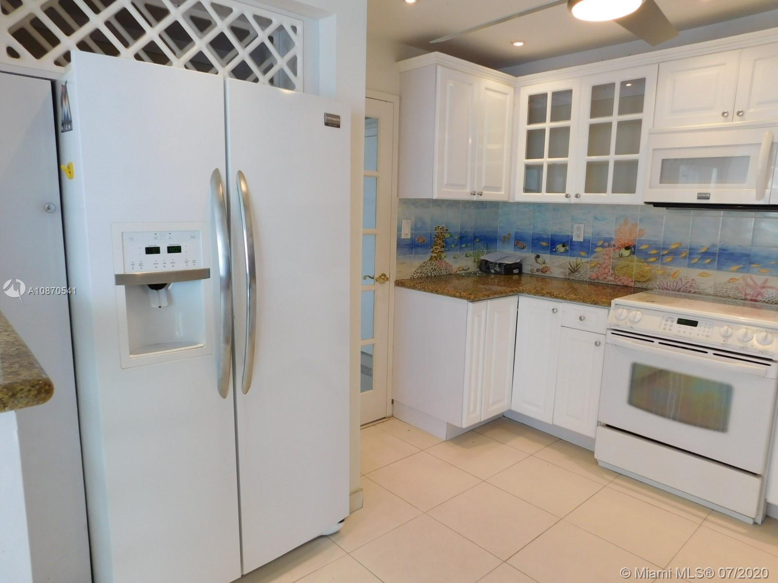 5401 Collins Ave #102 photo06