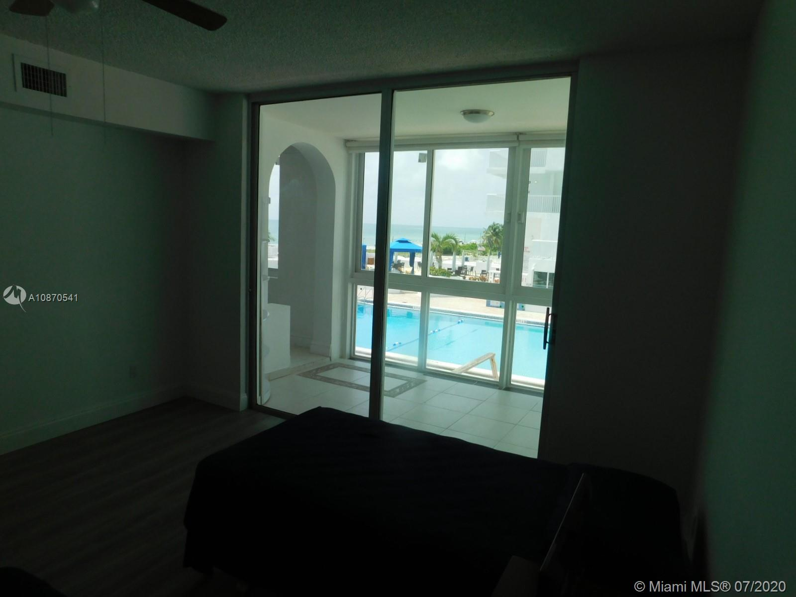 5401 Collins Ave #102 photo014