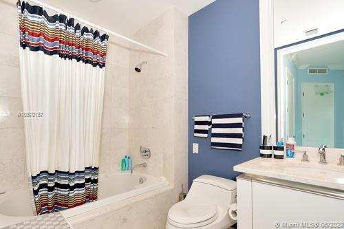 16051 Collins Ave #501 photo028
