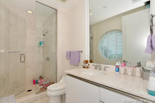 16051 Collins Ave #501 photo035