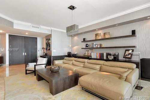 16051 Collins Ave #501 photo08