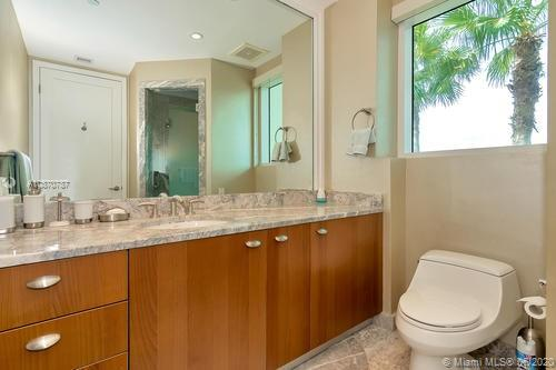 16051 Collins Ave #501 photo021