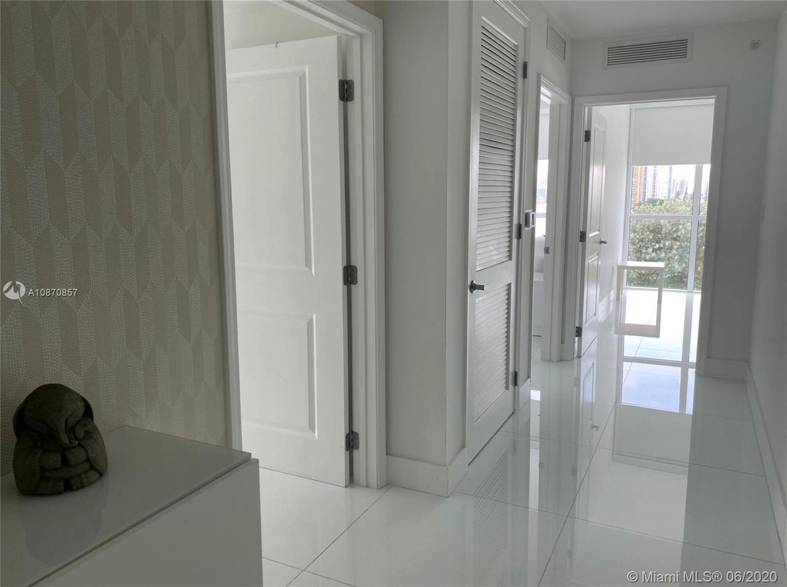400 Sunny Isles Blvd #701 photo013