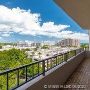 151 Crandon Blvd #824 photo01