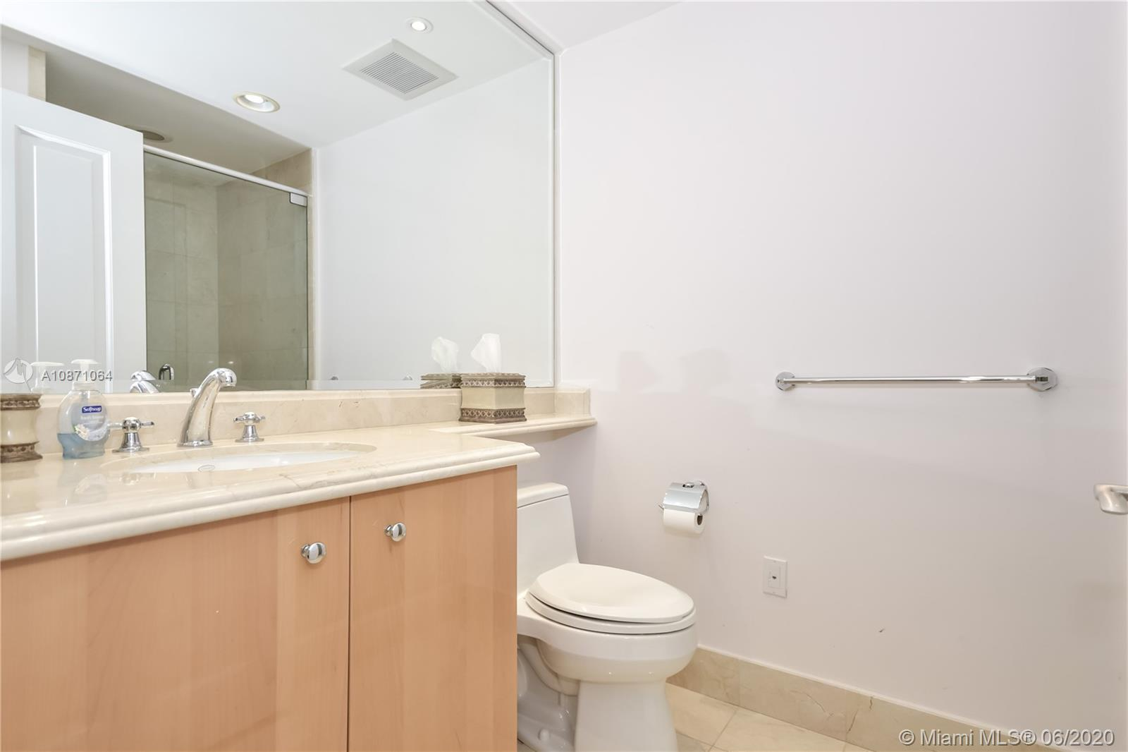 17875 Collins Ave #2802 photo028