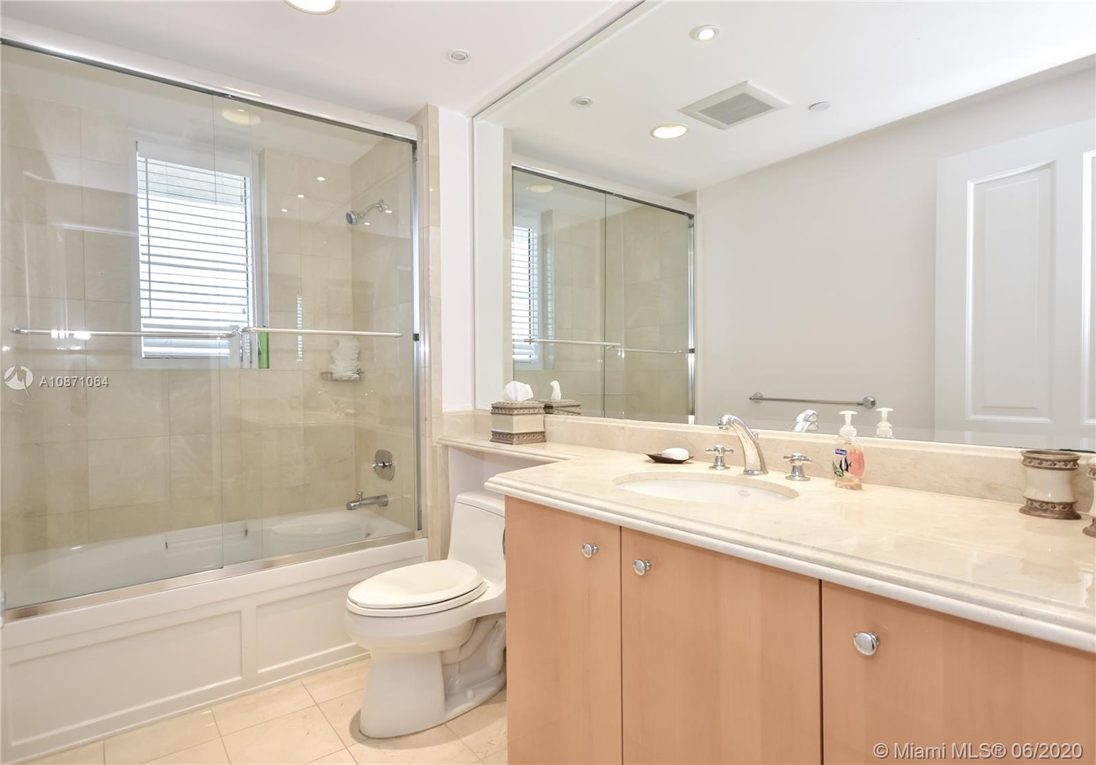 17875 Collins Ave #2802 photo029