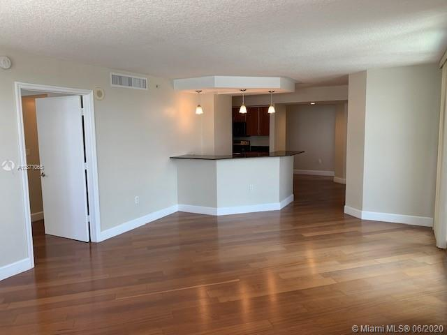 6917 Collins Ave #414 photo022