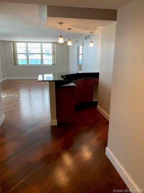 6917 Collins Ave #414 photo07