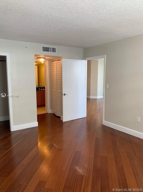 6917 Collins Ave #414 photo030