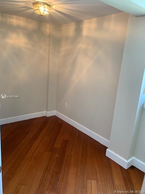 6917 Collins Ave #414 photo04