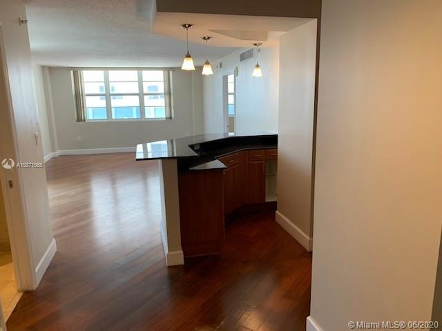 6917 Collins Ave #414 photo08