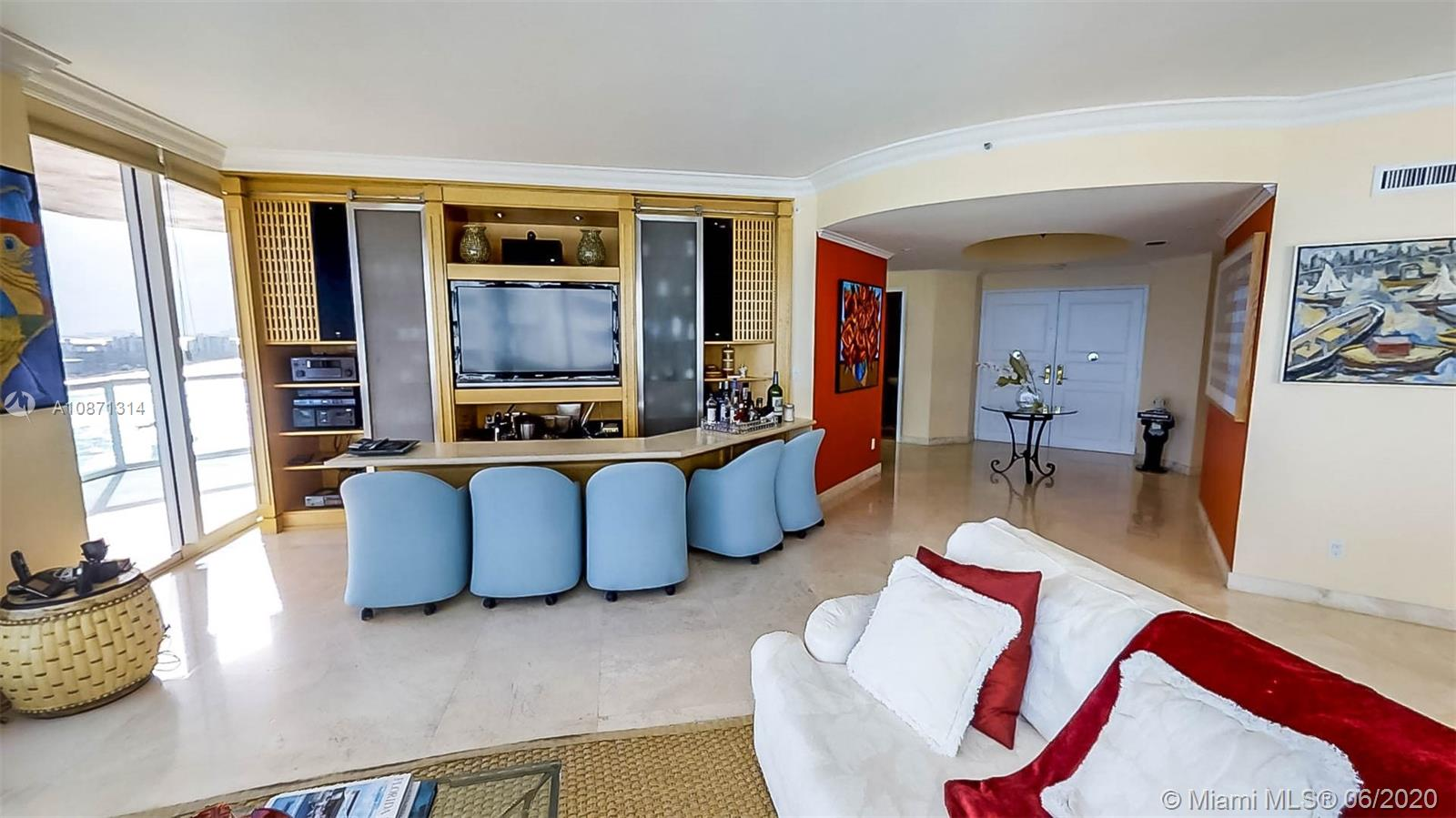 300 S Pointe Dr #1601 photo03