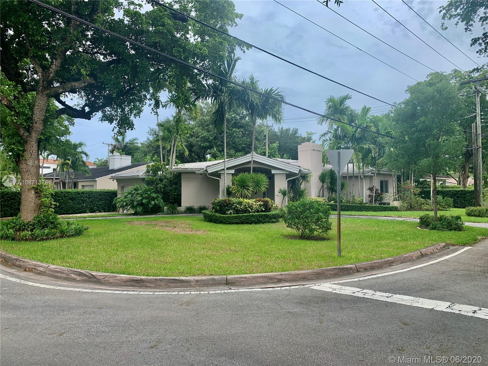 648 Sevilla Ave, Coral Gables, Florida 33134, 3 Bedrooms Bedrooms, ,2 BathroomsBathrooms,Residential,For Sale,648 Sevilla Ave,A10871378